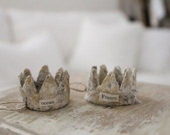 2 CARTAPESTA CRowns, French paper mache, bricolage, Ocean France crowns, Jeanne d arc Style