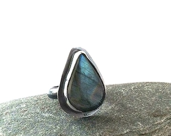 Labradorite and Sterling Silver Ring - Size 6.5 - The Lovely Woods