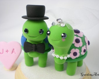 Wedding Cake Topper--Happy Turtle Love with Special Patterns Design and Circle Clear Base