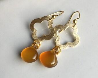 Quatrefoil Earrings, Butterscotch Chalcedony, Chalcedony Briolettes, Dangle Earrings, Fall Earrings, Autumnal Earrings