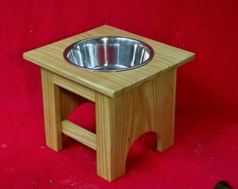 Elevated Large Dog Feeder, Outdoor,Single Bowl, 12 Inchs High, Treated Pine, Three Quart
