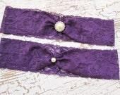 Plum lace garter set , simple lace wedding garter, rhinestone lace bridal garter. Aubergine purple lace garter.