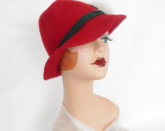 Vintage trilby fedora hat, red with white feathers