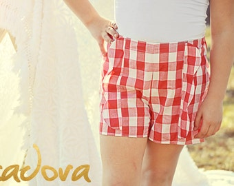 Girls vintage style scalloped  shorts in red and white gingham plaid shorts
