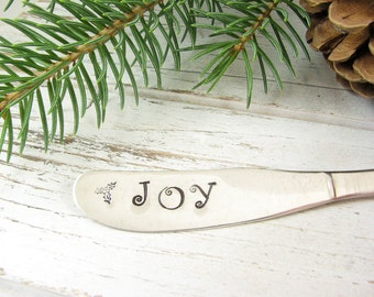 JOY. Stamped Butter Spreader. Christmas Table Decor. Holiday Hostess Gift. Hand Stamped Vintage Silverware for Gift Giving. 078HOL