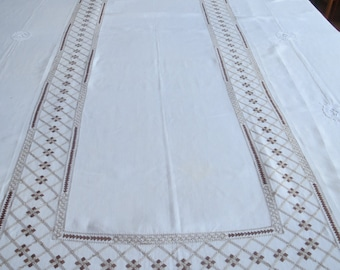 Long french hand embroidered tablecloth with 6 matching napkins