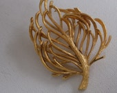 Vintage brooch, signed Monet big bold gold tone swaying branch brooch, jewelry