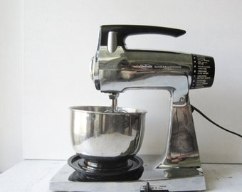 ON SALE Vintage Chrome Sunbeam Mixmaster 12-Speed Stand Mixer with Stainless Bowl & Beaters - Works Great
