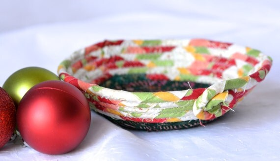 Christmas Desk Accessory Bowl, Handmade Holiday Basket, Homemade Christmas Candy Dish, Christmas Decoration, Decorative Holiday Bowl