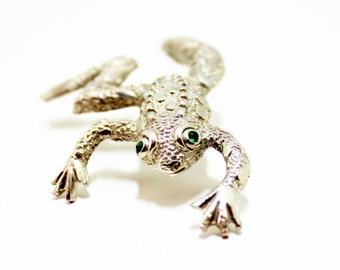 Large Frog Brooch- Crawling Frog- 1980s Fashion- Animal Jewelry- 4 Inch Brooch- Green Eyed- Silver Brooch- Frog Jewelry- Realistic- Detailed