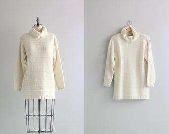 Winter White Turtleneck Sweater . 1960s 60s Womens Vintage Pullover