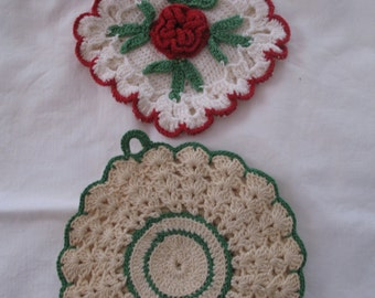 Vintage Christmas Hot Plate Set 2, Hand Made Pot Holder, Red & Green