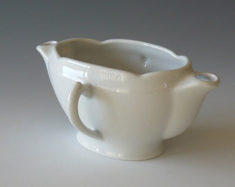 White Porcelain Gravy Seperator Sauce Boat Server Double Spout Made in France