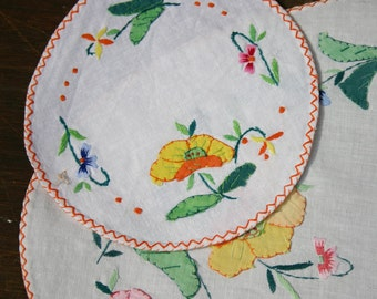 Applique Dressing Table Decor Embroidered mats/tray cloths