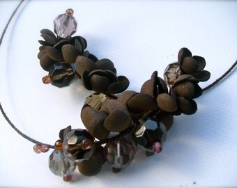 Memory Wire Necklace with foamiran flowers and glass beads- Brown necklace - Memory Wire - Handmade