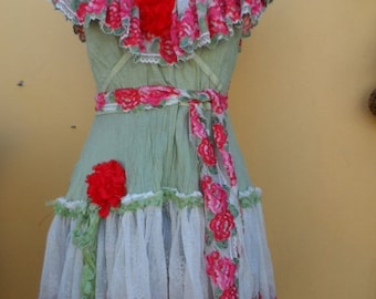 """20%OFFplusREFUND SHIPPING vintage inspired cotton top with rose embroidered lace and roses...small to 36"""" bust..."""