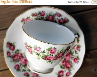 Royal Vale Footed China Teacup Tea Cup and Saucer Pink Roses, England 13631