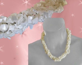 Vintage Mother of Pearl Necklace - 1950s White Jewelry - Wedding necklace  - Bridal Jewelry