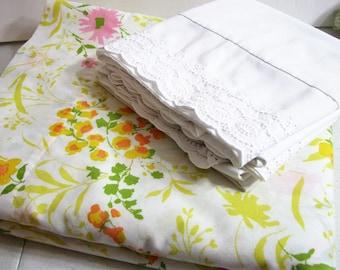 Vintage Remixed 3-Pc Full / Double Sheet Set, Flat Sheet, 2 White Eyelet Pillowcases ... Yellow Orange Pink Floral