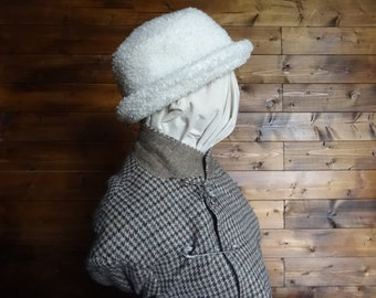 Vintage English white faux fur shearling terry cloth like bucket hat woman ladies unisex circa 1990's / English Shop