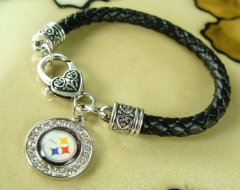 PITTSBURGH STEELERS round charm on black leather bracelet with silver claw