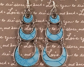 Gorgeous blue crescent dangle earrings