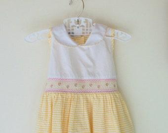 1980s CHECKERED Girls Dress....size 4 girls...yellow dress. flower dress. cotton dress. checkered dress. spring. summer. children. easter