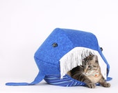 Novelty pet house that looks like a blue whale - Cat Ball® kitty bed