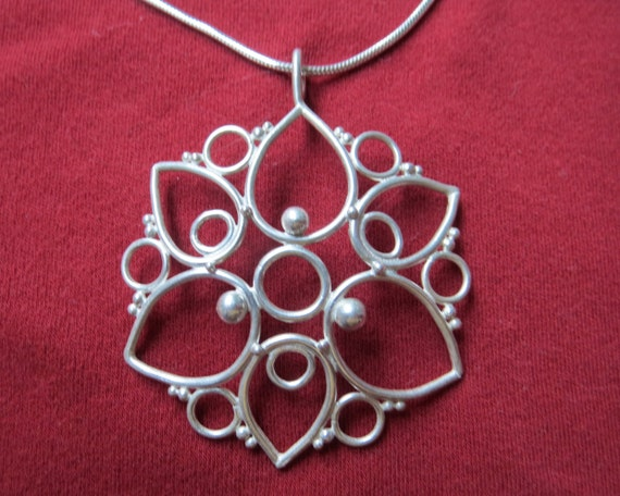 Snowflake Star Pendant in Argentium Sterling Filigree with Chain
