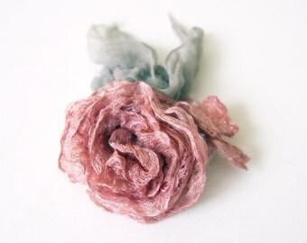 Hairpin blush pink rose - romantic bride - bridesmaid hairpin - silk roses