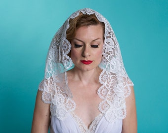 Vintage White Lace Mantilla Veil - Floral Spanish Lace - Catholic Bridal Fashions