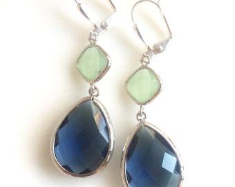 Sapphire Blue and Mint Dangle Earrings. Bridesmaids Gift. Wedding Jewelry. Navy Mint Earrings. Drop Earrings. Silver Bridal Earrings. Gift.