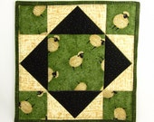 Primitive Sheep Hot Pad Kitchen Pot Holder Green and Black Lamb Fabric Quilted Trivet Handmade Cotton One of a Kind Mat Dining Room Decor