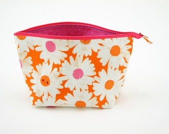 Flower Fabric Makeup Pouch, Zipper Bag, Gifts for Her, Open Wide Zipper Pouch, Cosmetic Bag, Teacher Gift