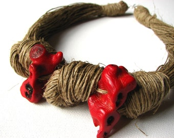 NatuRal ReD coRaL - linen necklace