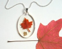Maple Leaf Necklace - Real Autumn Leaf Necklace - Botanical jewelry, Pressed leaf, leaf necklace, Autumn jewelry, Canada, natural, eco, ooak
