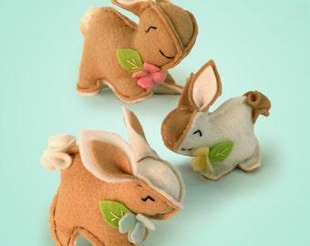 Bunnies Sewing Kit, bunny kits, Beige Rabbit, Felt Animal Craft Kit, Beginner Sewing Kit, DIY Sewing. Heidi Boyd