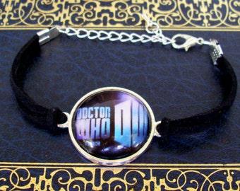Doctor Who Bracelet (B503) - Vintage Doctor Who Design - TARDIS - Police Box - Steampunk Design