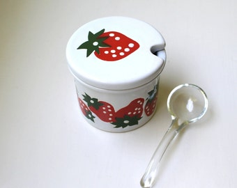 Mid Century Mod Waechtersbach Strawberry Lidded Jam Jar Retro Germany