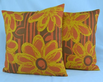 "Cotton Pillow Cover Cushion Cover Vintage Pillow Retro Pillow Mod Pillow Guns Mod Flowers- 16"" Pillow Cover"