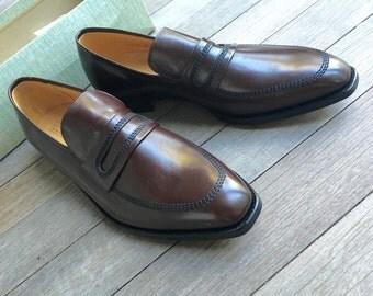 vintage 1950's -City Club- Men's slip-on bluchers. 'New Old Stock' w/ box. Walnut Brown. 'Cavalier' - Semi spade sole. approx 11 - 12 Medium