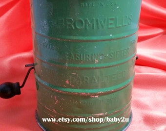 Vintage Olive Green Bromwell's 3 Cups Measuring Sifter
