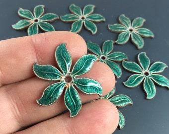Green Enamel Leaves. Enamel Flower Findings  - jewelry component. enemal finding No.00841