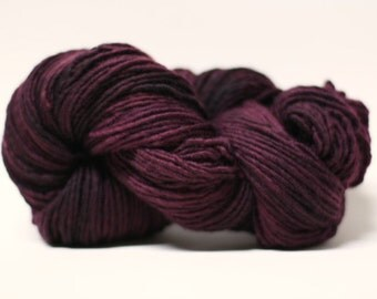 Single Ply sp Worsted Yarn  Hand dyed Merino Wsp15020 Black Rose