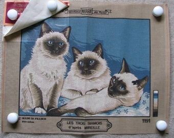 Margot Paris Needlepoint/Tapestry Canvas : 3 Siamese Cats