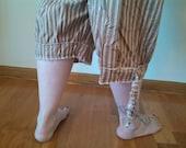 Paperboy Hosen aus Nachthemden und Spitze