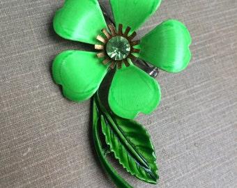Lime green enamel metal 1960s brooch