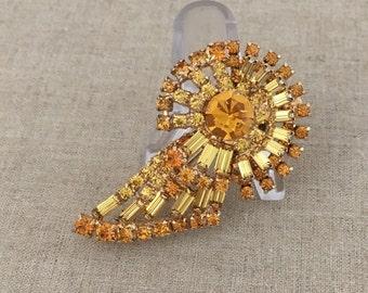 Vintage Yellow Rhinestone Brooch - Amber Rhinestone Pin - Vintage Rhinestone Jewelry - JryenDesigns