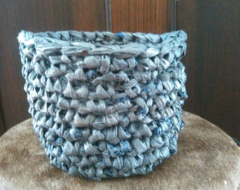 Small Plarn Basket