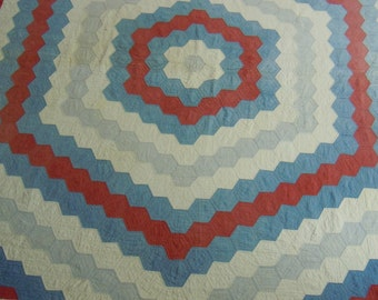 Vintage quilt: Big hexagons in red, white and blue    triple borders   hand pieced and quilted  1900-1920's  cotton batting  79 x 89